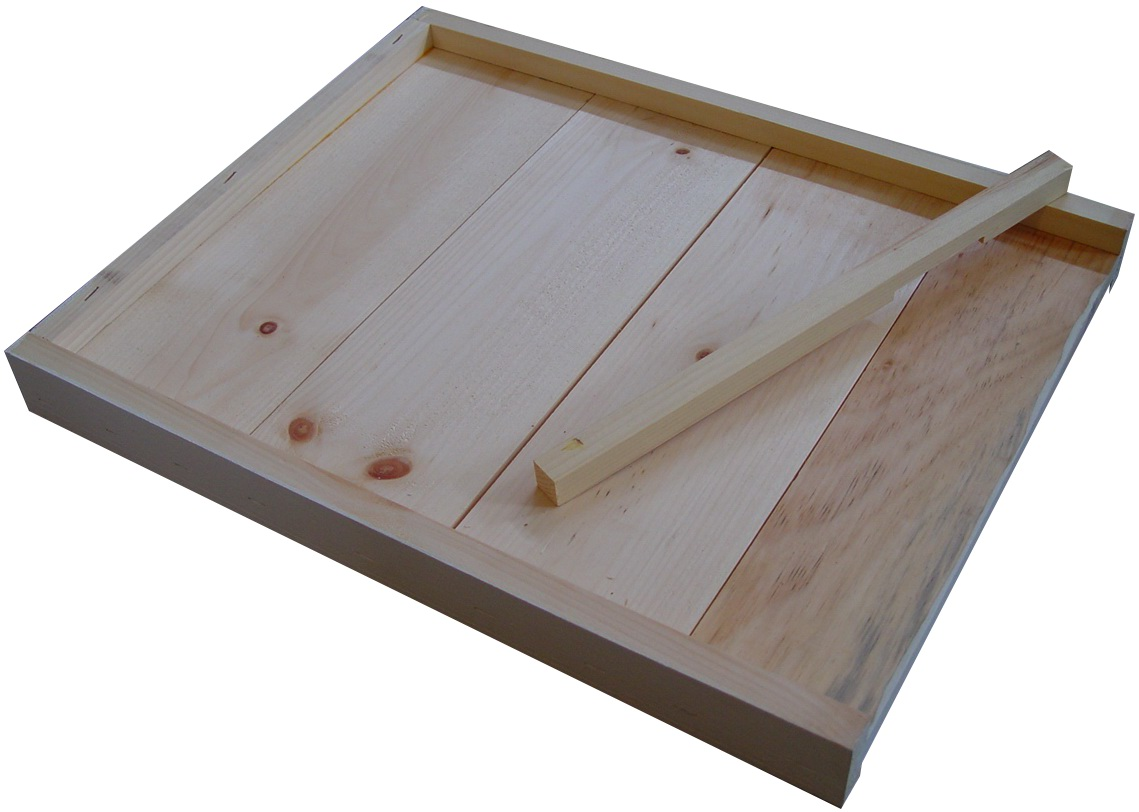 Northwoods Apiaries Vermont Honey Beehive Wiring Board Painted Reversible Bottom With Entrance Reducer